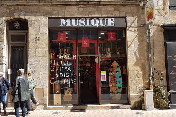 Music Acoustic propose l'entretien et la vente de guitares acoustiques rue Bouffard à Bordeaux