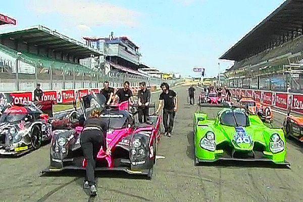 """Team sarthois """"OAK Racing"""" dans la ligne droite des Stands des 24 Heures du Mans"""
