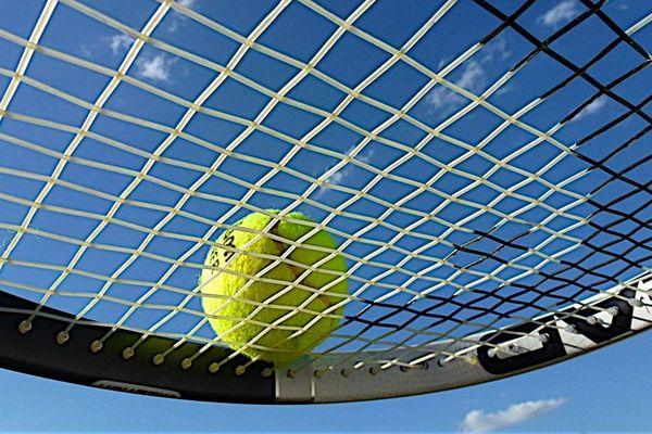 Le tennis fait partie des sports préférés des Français