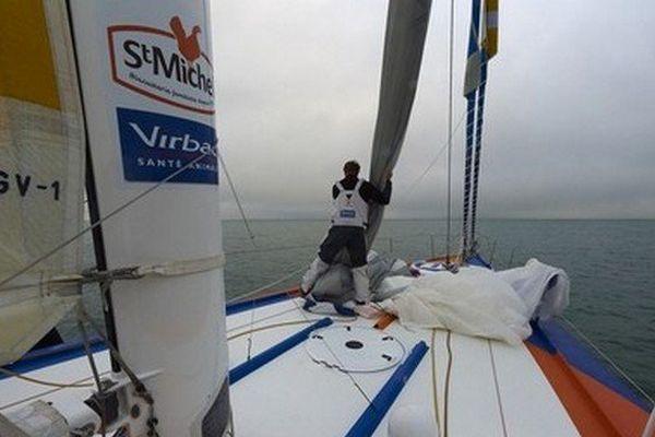 StMichel-Virbac navigue actuellement le long de la zone interdite des glaces, en 3ème position