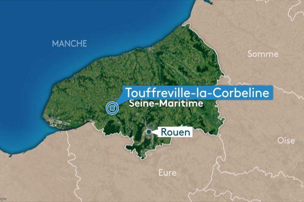 L'homme a chuté du toit d'une maison sur la route d'Yvetot à Touffreville-la-Corbeline.