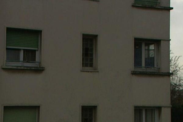 L'immeuble où l'adolescent a tenté de tuer son père