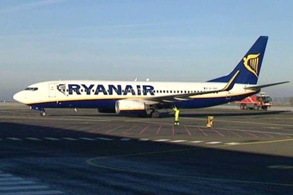 Il n'y a que des avions de Ryanair sur le tarmac de Carcassonne