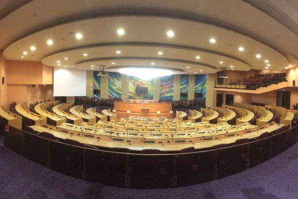 L'amphithéâtre de l'ex-conseil régional de Lorraine accueillera désormais les 169 conseillers pour chaque assemblée plénière.