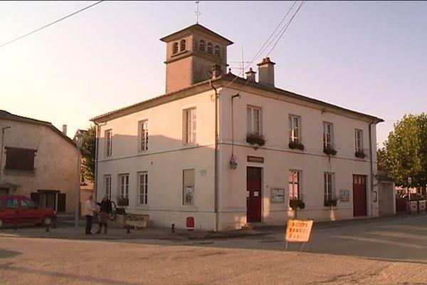 Velaine-en-Haye et Sexey-les-Bois ne font plus qu'une seule et même commune : Bois-de-Haye.