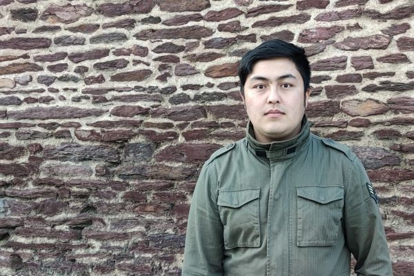 Le journaliste Elyaas Ehsas est menacé d'expulsion vers la Suède, puis l'Afghanistan où il est en danger de mort.