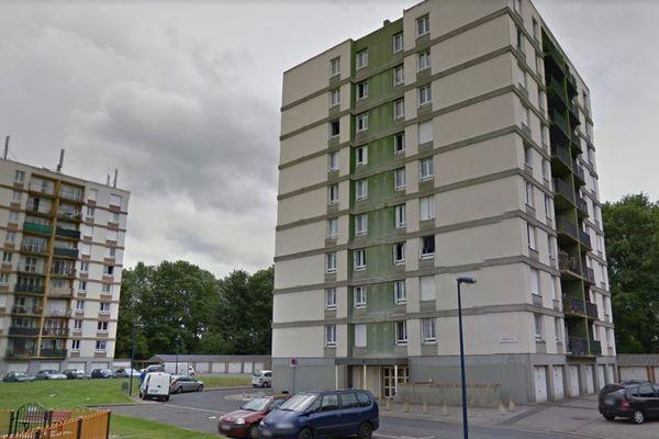 Le feu aurait pris dans les parties communes d'un des immeubles du square Toutain à Bonsecours