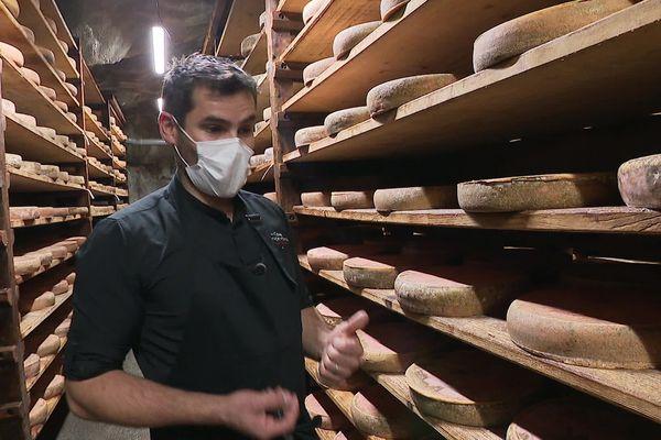 Eric Mainbourg,  Gérant des Caves d'Affinage de Savoie, évoque un risque de pénurie pour les fromages à raclette de spécialité