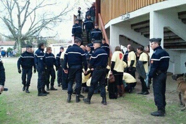 Affrontements ce dimanche matin à Rion-des-Landes entre gendarmes et anti-corridas