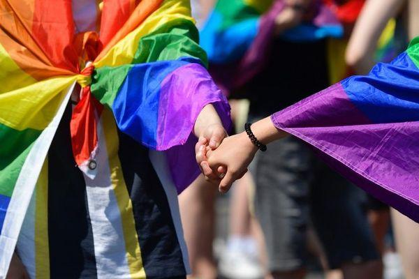 La Gay Pride est repoussée au 7 novembre prochain.