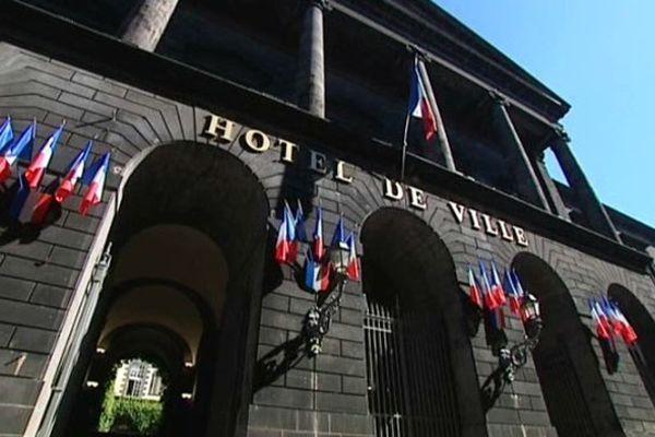 Clermont-Ferrand n'est plus la capitale de l'Auvergne. Lyon devrait devenir en 2016 le chef-lieu de la région Rhône-Alpes Auvergne.