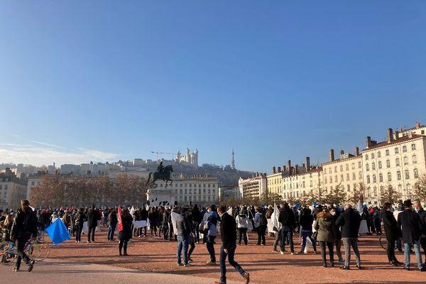Lyon : manifestation des Indépendants place Bellecour - 23/11/20