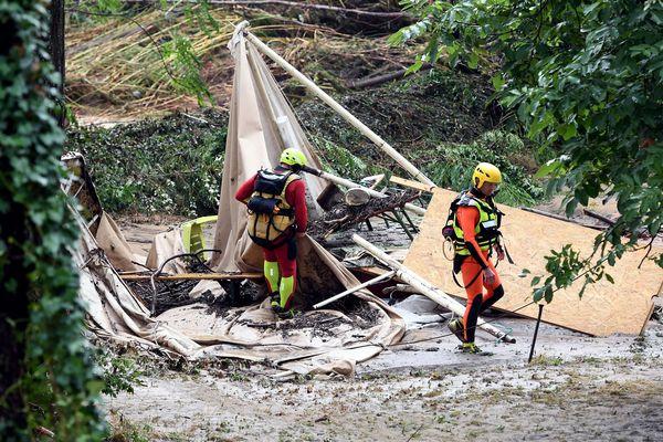 Saint-Julien-de-Peyrolas (Gard) - les tentes et caravanes du camping détruites par la crue - 9 août 2018.