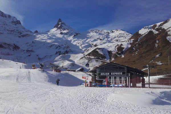 Le front de neige à Luz Ardiden (Hautes-Pyrénées)