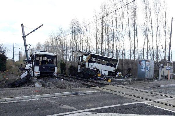 Six enfants sont décédés dans la collision entre un car scolaire et un TER jeudi 14 décembre.