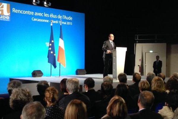 François Hollande devant un millier d'élus locaux à Carcassonne
