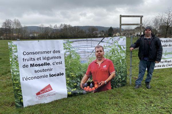 Une des 13 banderoles des Jeunes Agriculteurs déployée au bord des routes de Moselle.