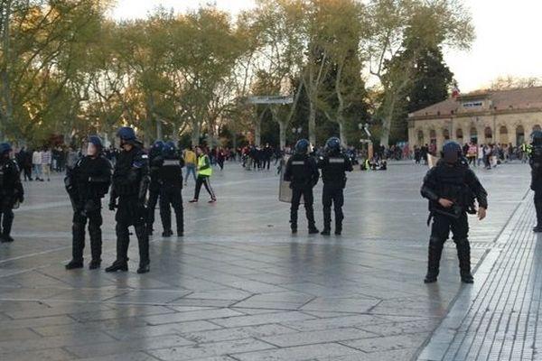 Peu après 18h, les forces de l'ordre ont fait évacuer la place de la Comédie, à Montpellier.