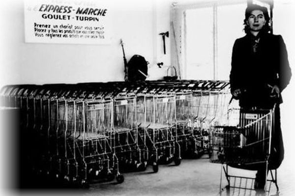 Le premier supermarché français, Goulet-Turpin à Rueil-Malmaison, est né il y a 62 ans. À cette époque, il fallait expliquer clairement à une ménagère déroutée l'art d'utiliser un chariot...