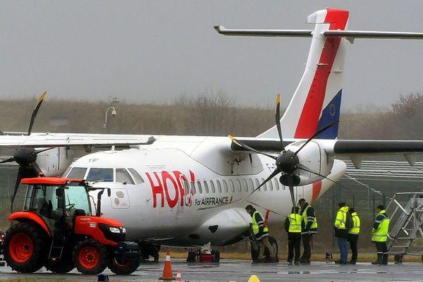 91 parlementaires se mobilisent pour les liaisons intérieures par avion, dont la ligne Aurillac-Paris