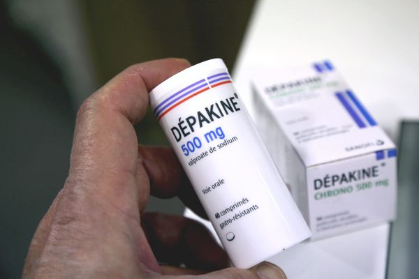 La dépakine serait responsable de milliers de malformations congénitales du foetus.