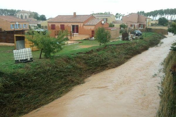 Luc-sur-Orbieu (Aude) - le village et le «le Tourrenc» après 12 heures de fortes pluies - 22 octobre 2012.