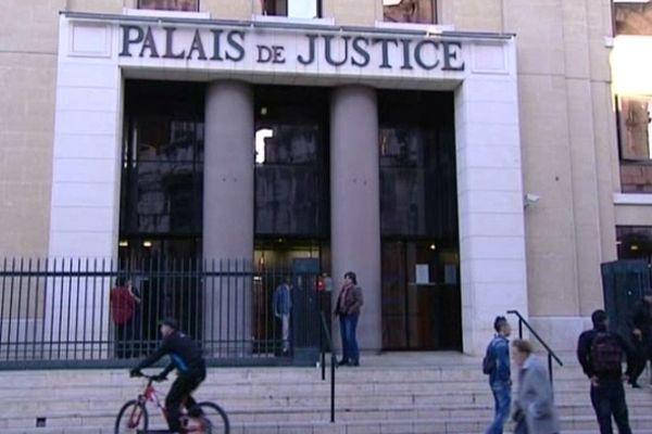 Nîmes - palais de justice - archives
