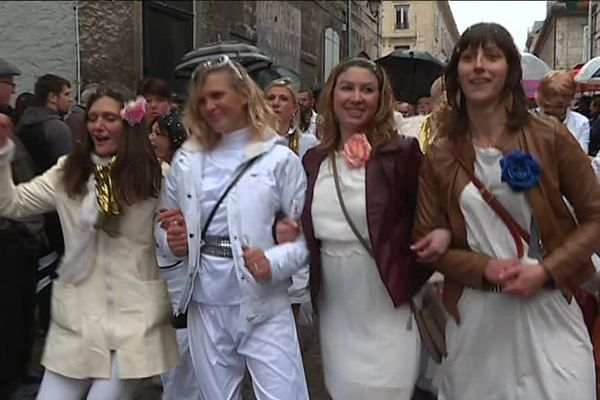 A Pontarlier, la tradition des conscrits se perpétue d'année en année
