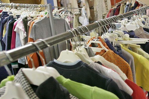 Des vêtements pour les sans-abri de Lyon : organisation d'un grand vestiaire solidaire à Vaulx-en-Velin (illustration archives)
