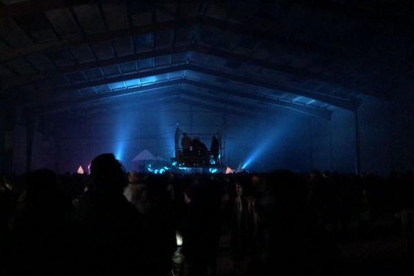 Des hangars désaffectés accueillent une rave party en Ille-et-Vilaine