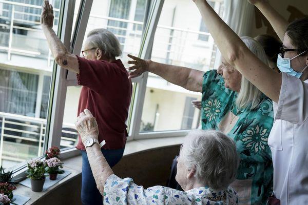 Confiner sans trop isoler : le dilemme en maison de retraite au temps du coronavirus, comme ici au nord de Bruxelles.