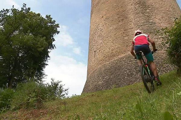 Le vélo électrique, pratique dans les montées !