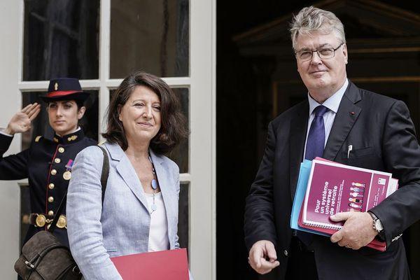 Agnès Buzyn, la ministre de la santé, et Jean-Paul Delevoye, le haut-commissaire à la réforme des retraites à l'hôtel Matignon, le 18 juillet 2019.