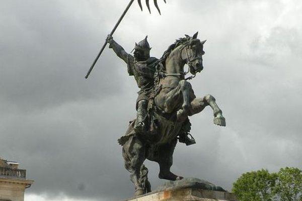 Monument dédié à Guillaume le Conquérant à Falaise