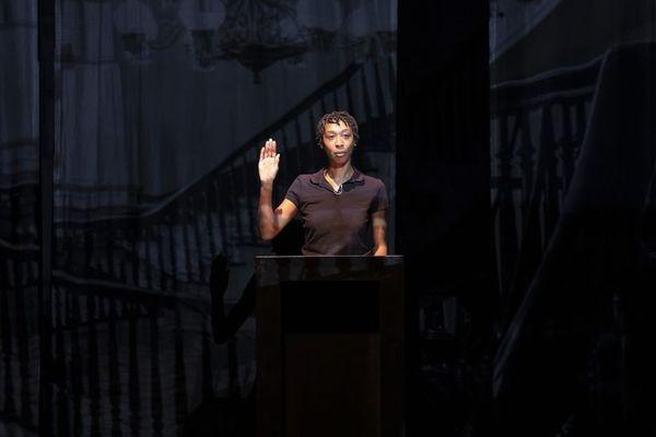 Tania de Monataigne dans la peau de Claudette Colvin au théâtre du Rond-Point à Paris