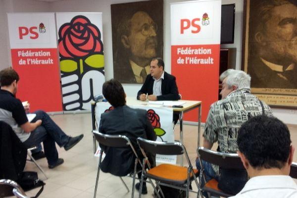 Pendant la conférence de presse du PS à Montpellier