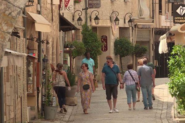 A la fois village en partie troglodyte et cité sainte, Rocamadour a goûté aux premiers retours des touristes et des pèlerins à l'occasion de l'Ascension.