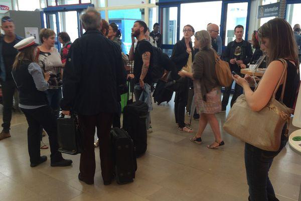 Les passagers bloqués en gare de Savenay ce vendredi 10 juin 2016