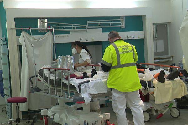 Le service des urgences de Narbonne proche de la saturation avec la hausse des hospitalisations Covid.