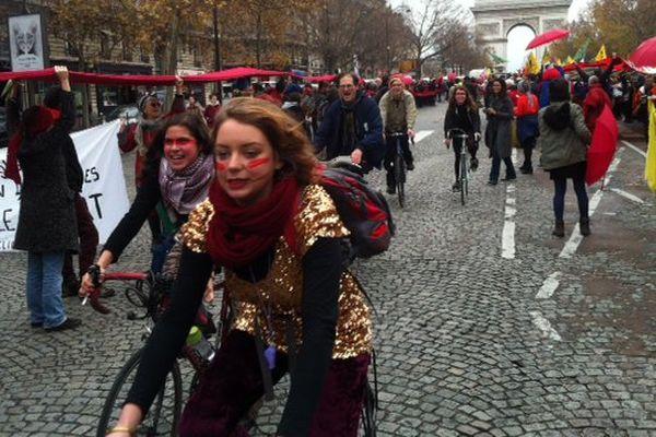 Une manifestation organisée en marge de la COP 21, samedi 12 décembre.