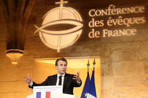 Quelque 400 invités étaient réunis dans la grande nef cistercienne du collège des Bernardins, à Paris, pour la Conférence des évêques de France.