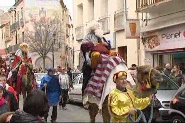 Les Rois mages de Rivesaltes défilent en chameau