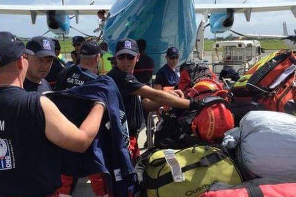 #Irma @PUI_FRANCE Equipe POMPIERS DE L'URGENCE INTERNATIONALE engagée sur terrain à St Martin avec SOS ATTITUDE et SSF, assistance médicale