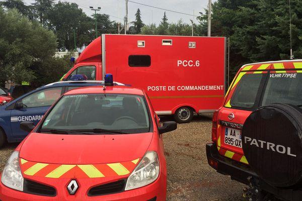 Saint-Julien-de-Peyrolas (Gard) - le poste de commandement des opérations de secours et de recherches après les inondations - août 2018.