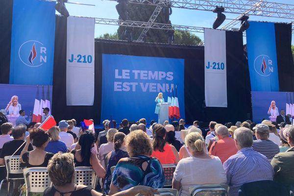 Marine Le Pen en meeting au théâtre romain de Fréjus