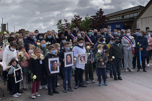Une marche blanche a été organisée à Mergey dans l'Aube en hommage à Audrey Adam, assistante sociale, tuée dans le cadre de ses fonctions.