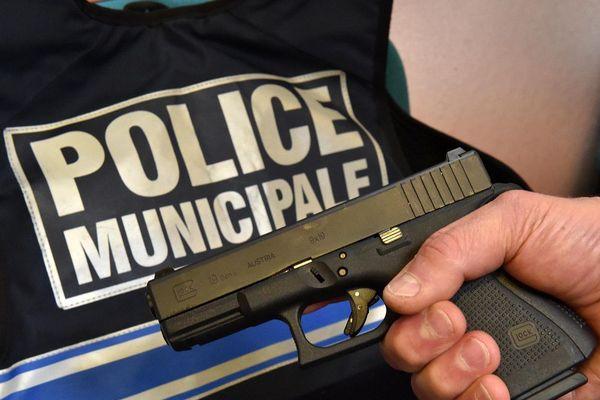 Près de 40% des policiers municipaux français sont aujourd'hui équipés d'armes à feu.