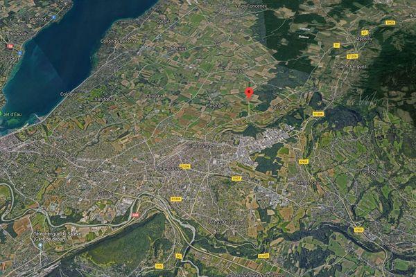Un conducteur de 41 ans est décédé dans un accident survenu à Ville-la-Grand ce dimanche.