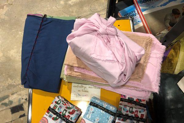 Le furoshiki, une technique d'emballage réutilisable.