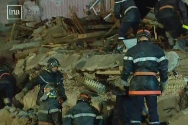 Les pompiers ont retrouvé les corps sans vie de 11 personnes, à la suite de l'explosion le 4 décembre 1999.